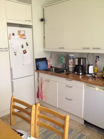 Shared room near Helsinki and the airport - Vantaa - Lejlighed