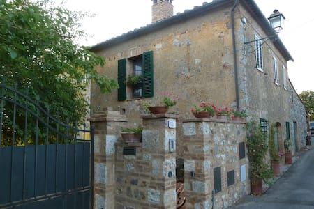 Iesa, Palazzo, Tuscany - Palazzo - Ev