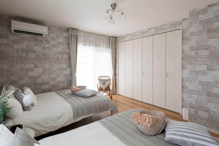3F 寝室 1 / 3F Bed room1