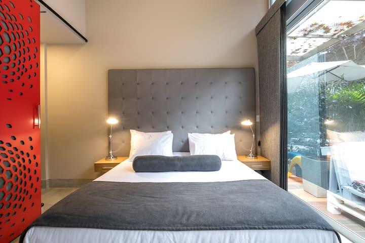 Soul ✫101✫ Studio, AC, King sized bed,