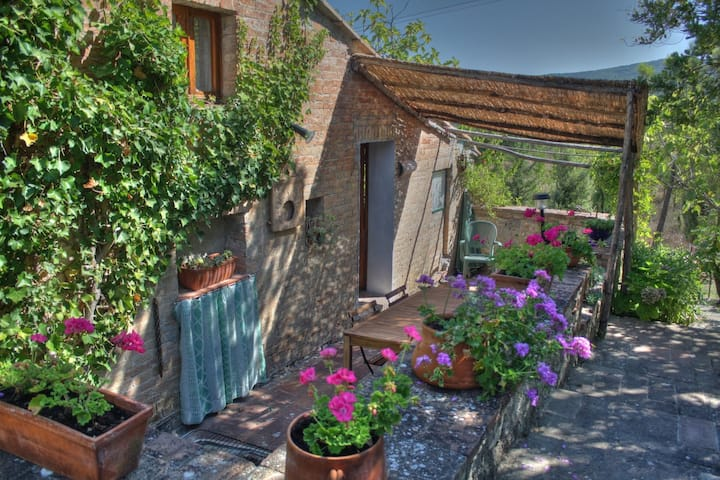 a hideaway in the heart of tuscany