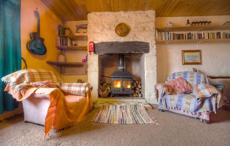 Artists cottage. Snug in Snowdonia - Penrhyndeudraeth - House