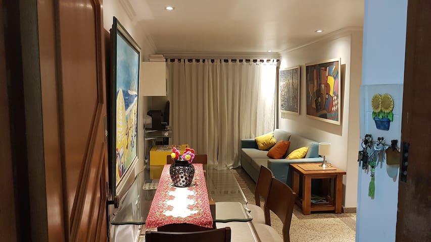 Ótimo quarto em apartamento de luxo, melhor local