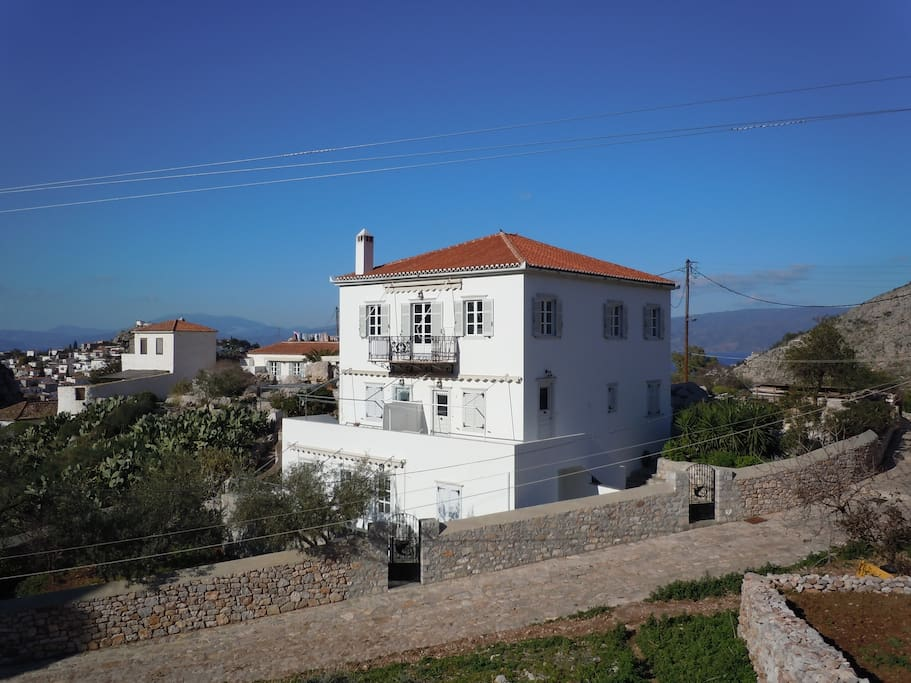 VillaHydra - 100 sqm apartment is all the top floor, 360 degree views. In the background - view to Peloponnes