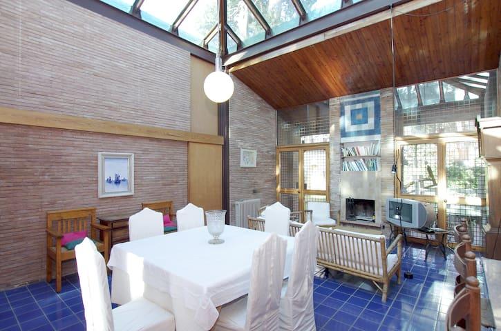 Fregene: villa with a glass roof  - Fregenae - Casa de camp