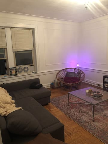 Cozy room in the heart of Montclair! Close to NYC