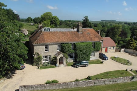 The Twin Room at Manor Farm B&B, AA 4* Gold - Collingbourne Kingston - Bed & Breakfast