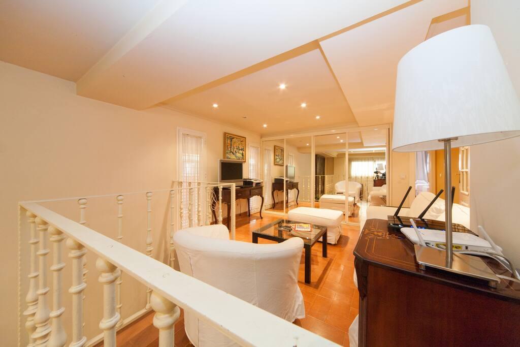 3 habitaciones 3 ba os en el centro apartamentos en for Habitaciones cuadruples en sevilla