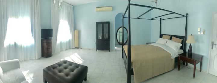 wonderful house in Dubai-lovely,big master bedroom