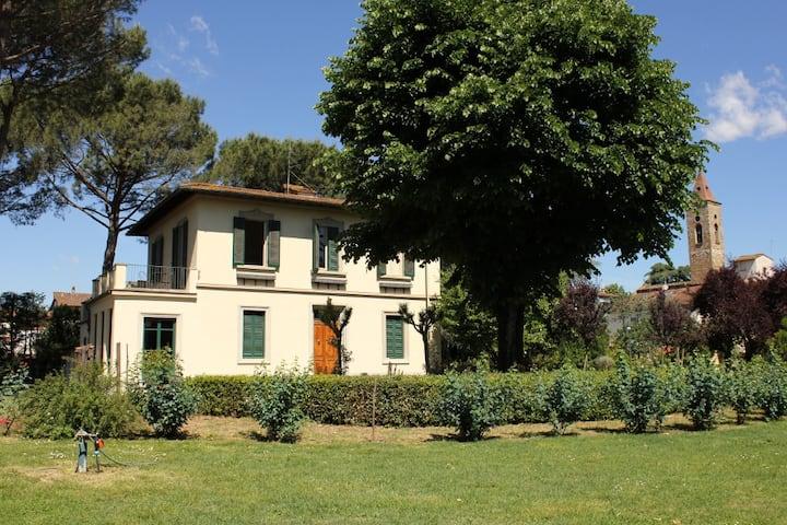 """""""Villa delle Rose"""" dimora con grande parco"""