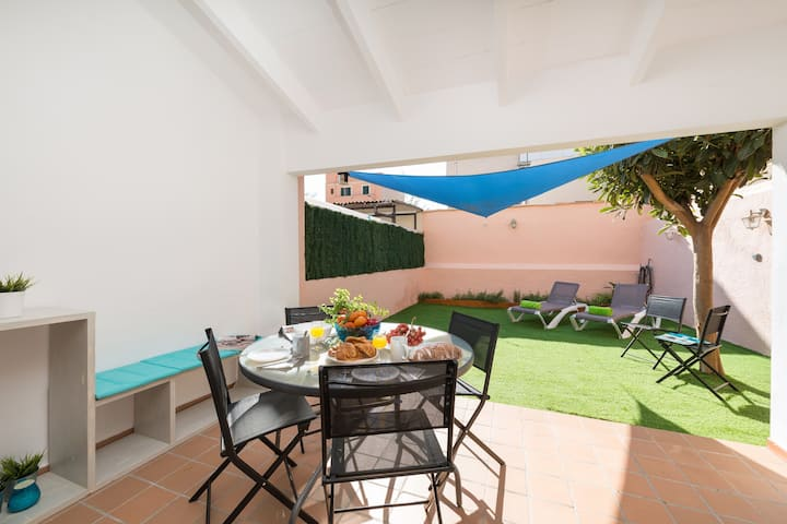 CA NA ROSA (ES PORTITXOL) - Beautiful house in es Portitxol, boasting a great back terrace and just 280 metres from the sea. Free WiFi