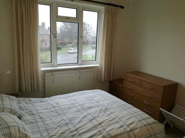 Double bedroom to rent in Hamble - Hamble-le-Rice - Casa