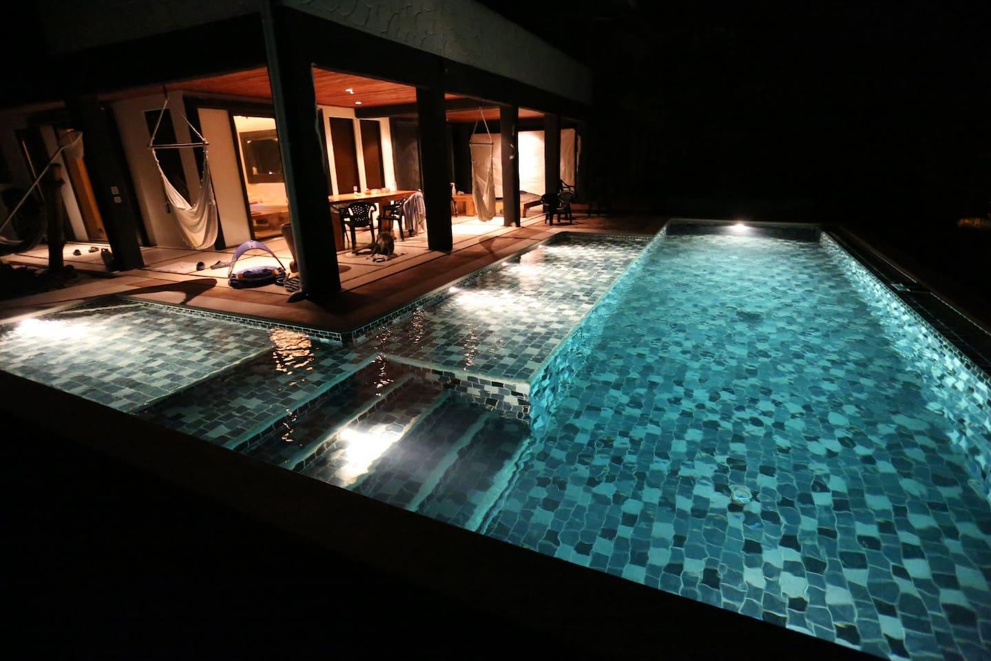 SkyVilla Pool