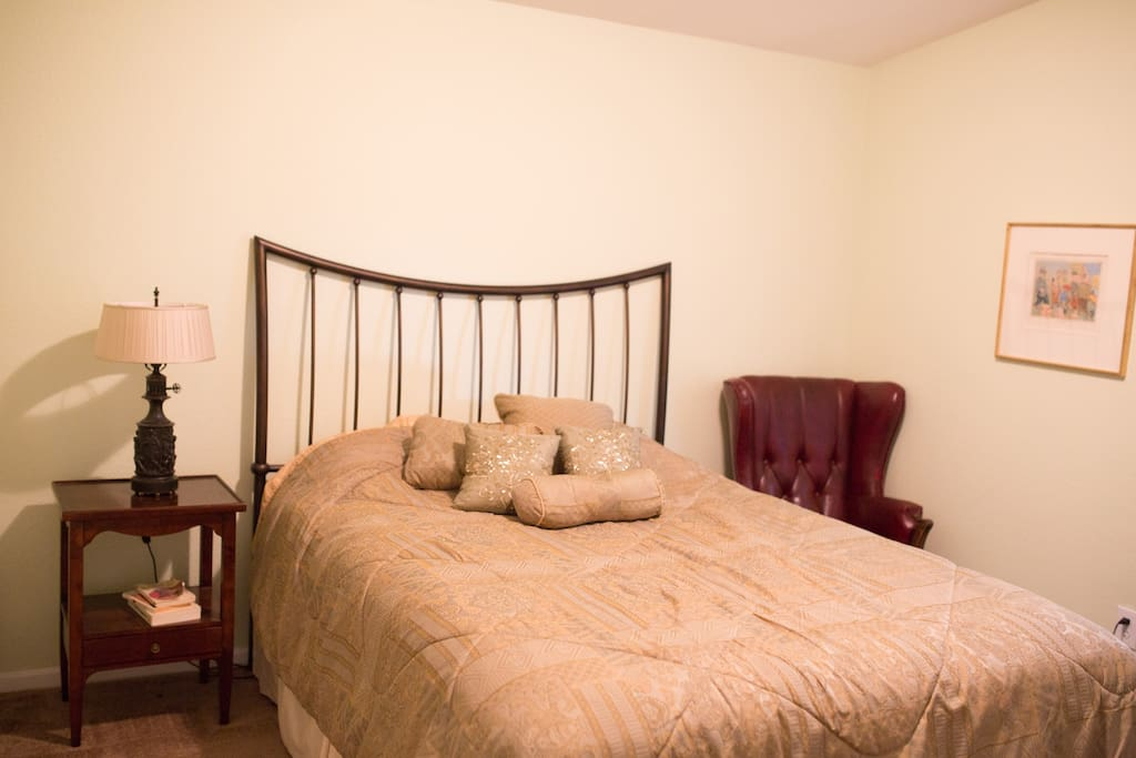 Guest room with queen bed.