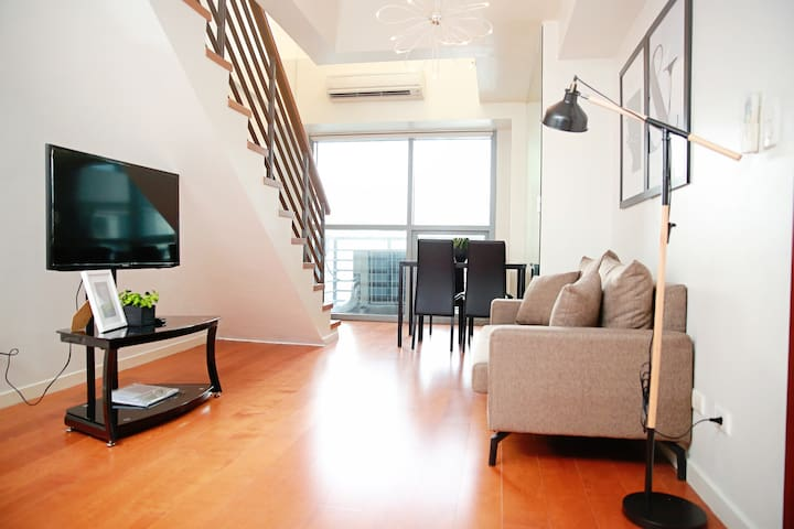 Convenient Location 1BR Loft Greenbelt Makati
