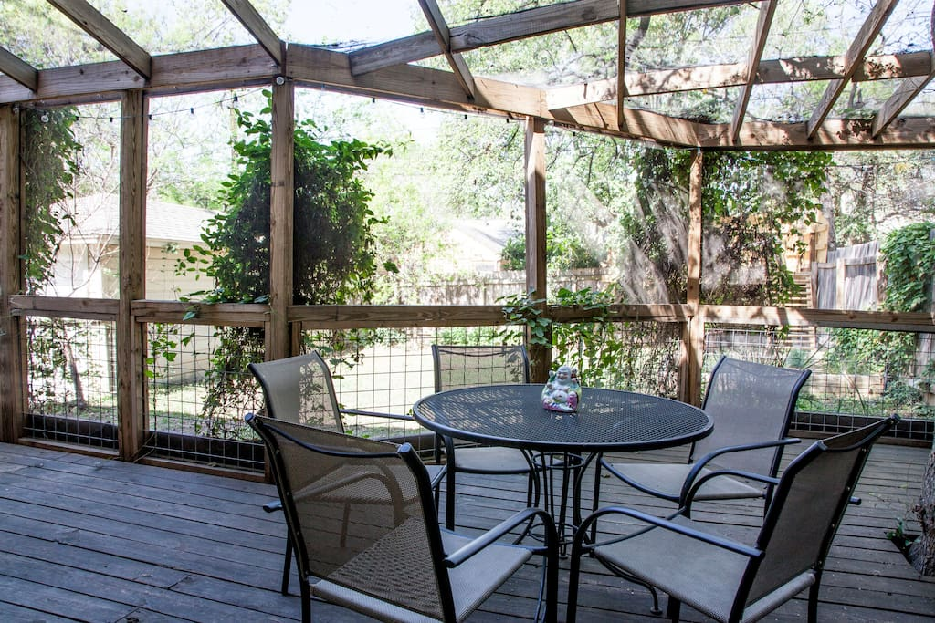 Huge screened-in porch, perfect for any season.