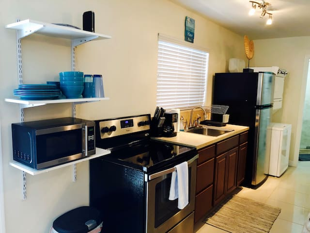 Full kitchen with amenities
