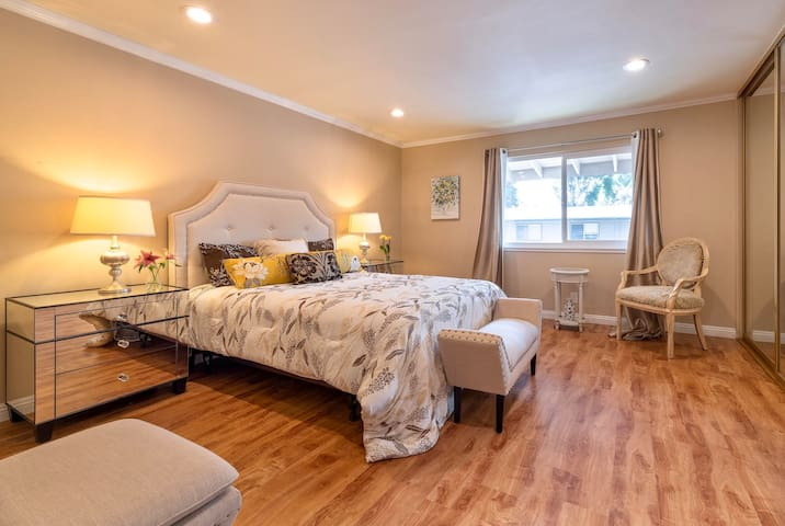 Apartment in central location of Silicon Valley