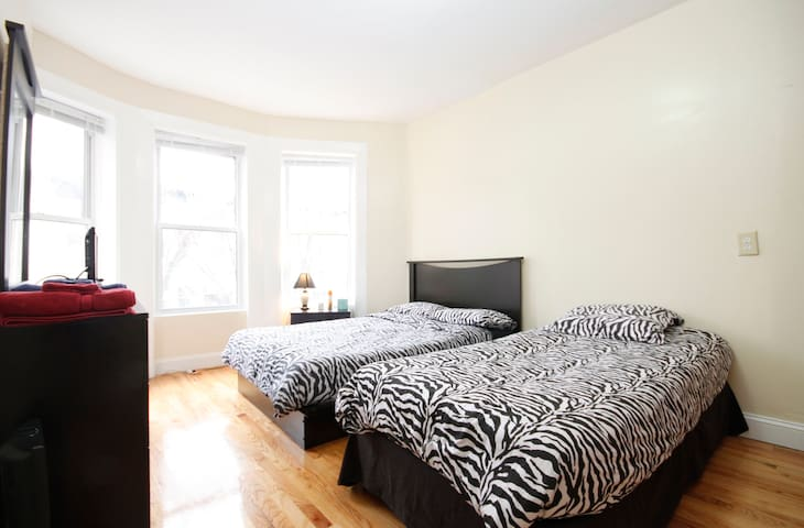 3 BR Apartment in Heart of Brooklyn