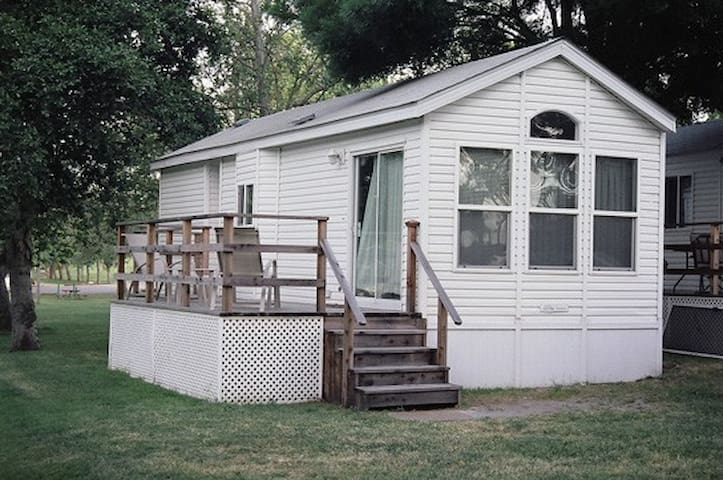 Deluxe Vacation Cottage in Delta - Isleton - Hytte