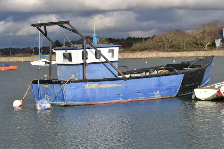 Fishing boat at Keyhaven