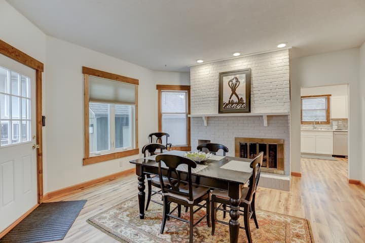 GREEN ST- Close to U of I & Downtown!