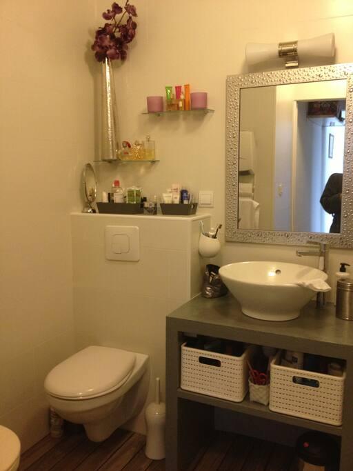 baignoire et machine à laver/sèche linge