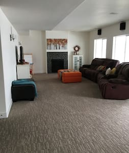 Clean, Newly-Built Basement Apt. in Beautiful Home - Lehi