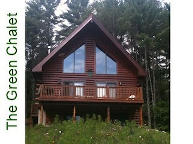 Log cabin in Adirondacks - Chestertown - House