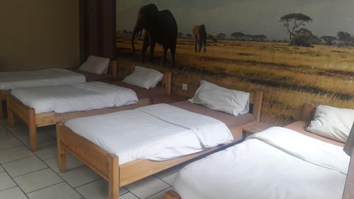 4 bed Apartment (pundamilia)