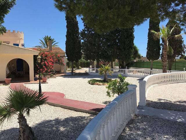 Belle villa typique espagnole à deux pas de la mer