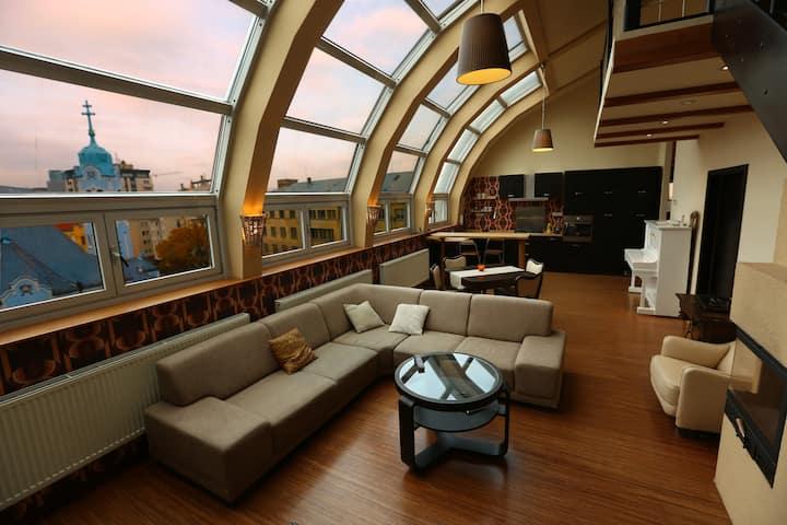 Luxury private romantic 3BR loft w/stunning view