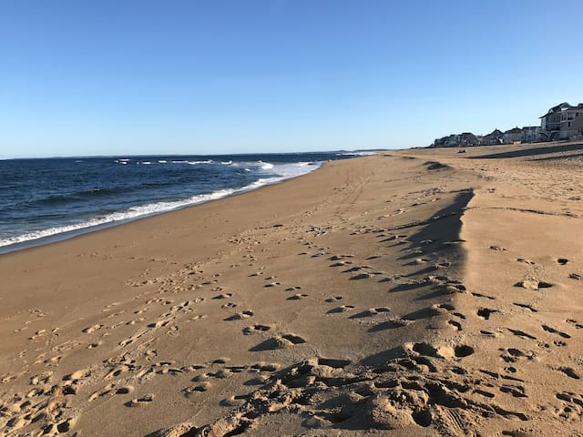 Come for an escape to beautiful plum island!