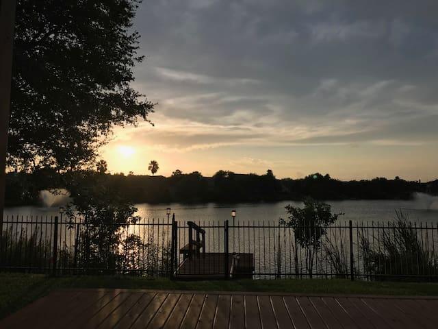 Clear Lake Area Home in Seabrook on Fishing Lake!