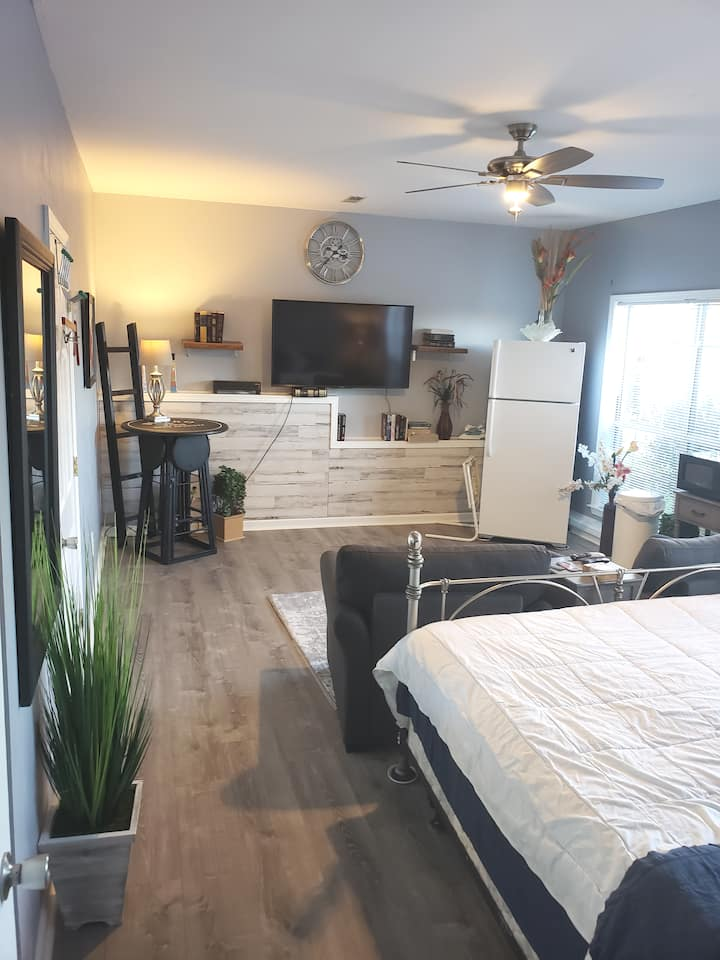 King size bed private bathroom with private bathro