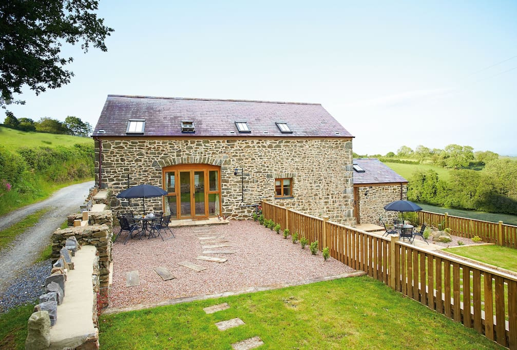Mulberry Cottage, one of two beautifully refurbished stone barns