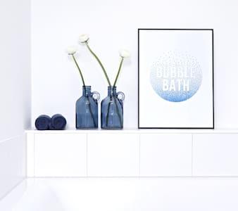 The Blue House - Ennetmoos - Bed & Breakfast - 2