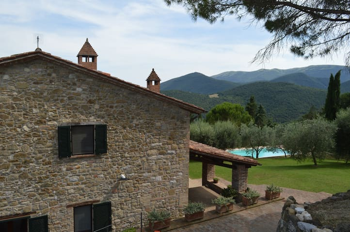 Antique Villa with Pool & Breathtaking Views - Perugia