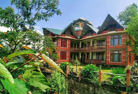The Red Mud Chalet (Paradise amidst nature!!)