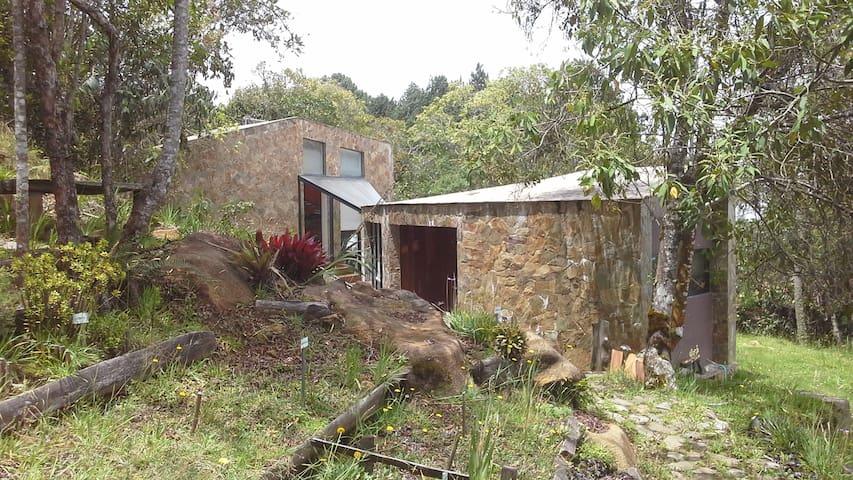 """Un """"chateau"""" en la montaña - Medellín"""