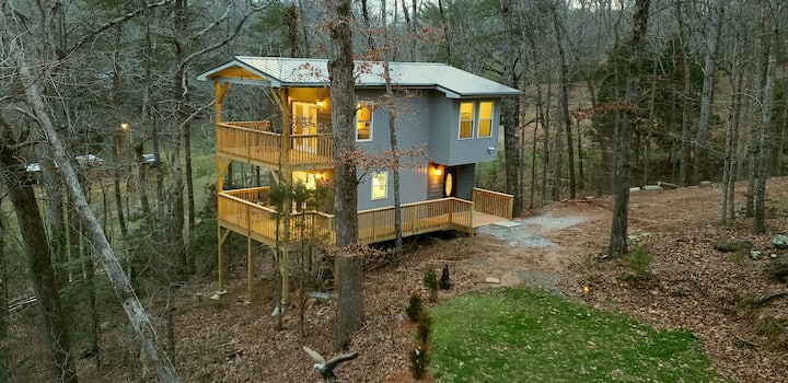 Tree Top River Retreat