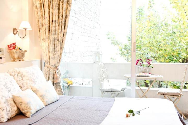Peaceful Studio with Balcony in Bastille - Paris - Apartment