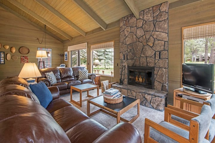 Gather Around the Gorgeous Stone Hearth in This Rustic Family Home on Sunriver Golf Course!