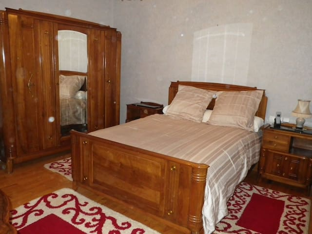 Chambre dans villa de style - Yssingeaux