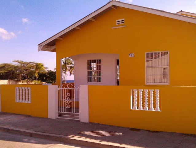 Charming and centrally located in Willemstad!