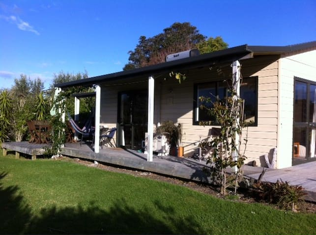 Sunny Haven by the Sea - Waihi Beach - Haus