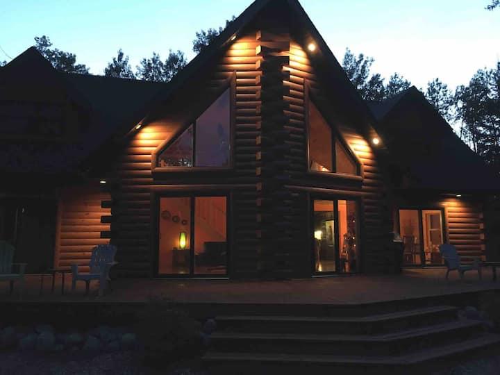 Luxury 4 bedroom log cabin