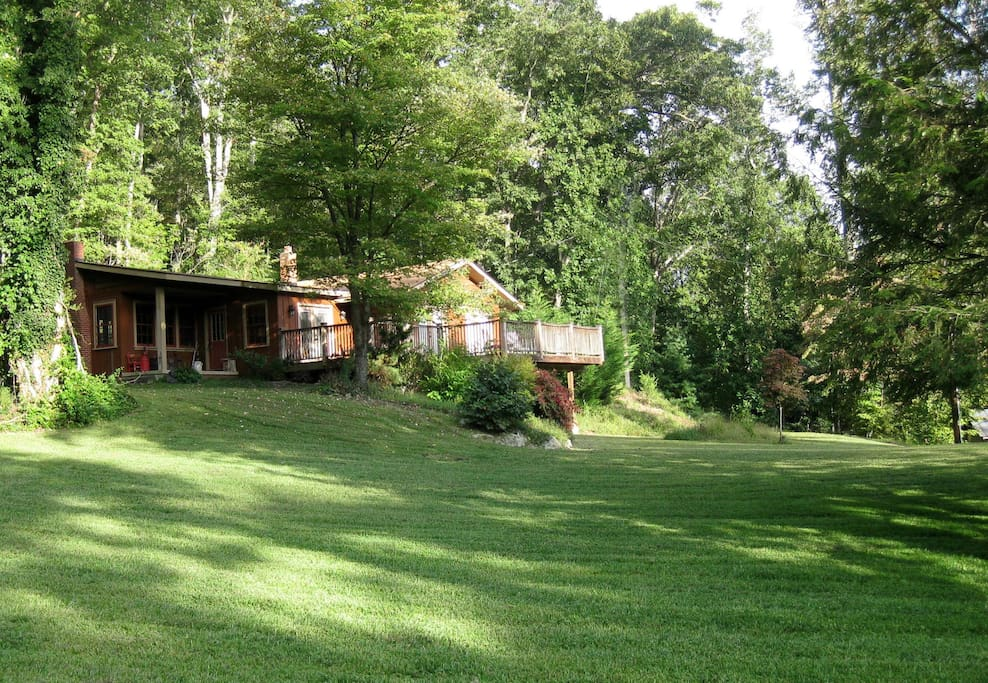 Cottage at glen galla cabins for rent in hendersonville for Cabins near hendersonville nc