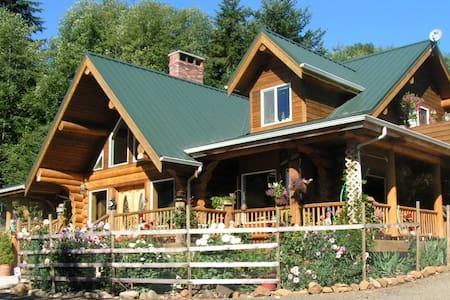 Powder Creek Ranch / Heritage Suite - Beaver