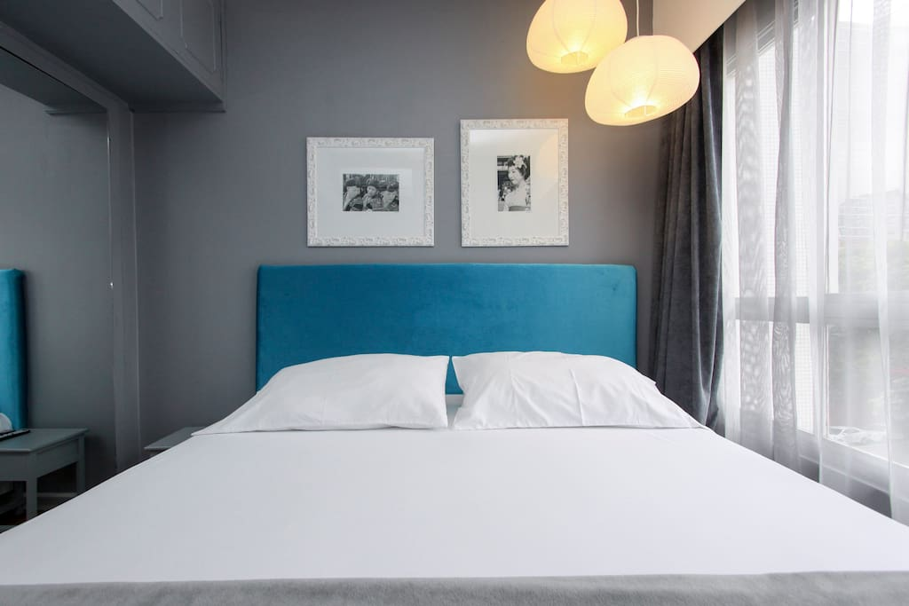 Super Confortable & Stylish Bedroom with : American King Size Bed,  Hot & Coller Air-Con, Led TV, Closet, Blackout Cortaines and Sound Insulation